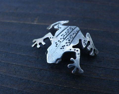 蛙のシルバーコンチョサムネイル