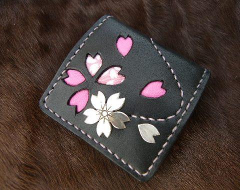 桜の花びらデザイン小銭入れサムネイル