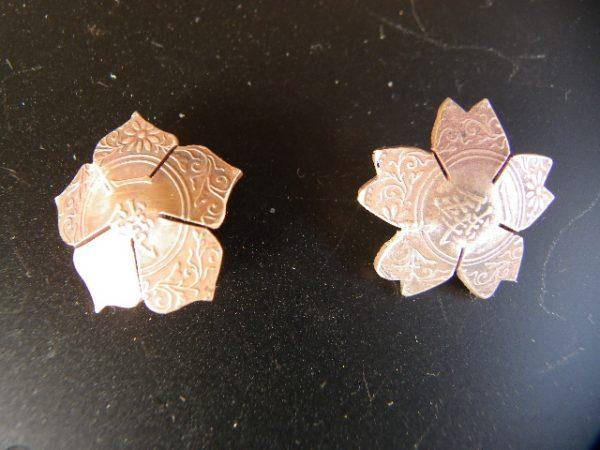 家紋の桔梗と桜の花びらコンチョ制作!サムネイル